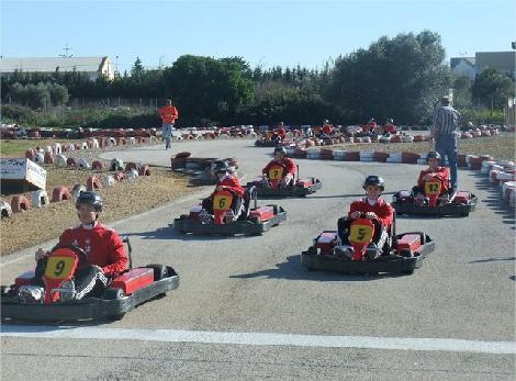 Circuito Karts Conil : Conducir karts en cadiz en dos de los mejores circuitos de la