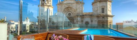 Hotel la Catedral un rooftop bar en Cádiz
