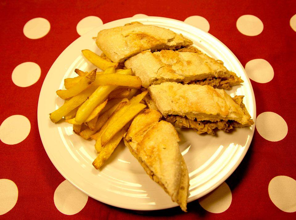 comer-serranito-tona-madrid