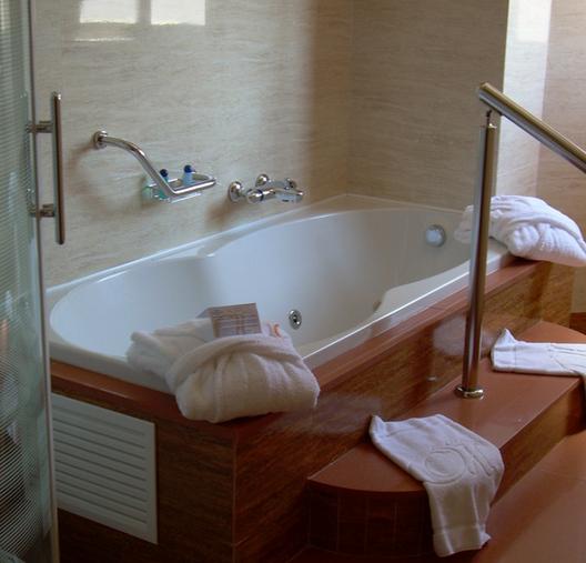 Hotel_Jacuzzi_Los_Barrios