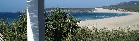 Hostal La Hormiga Voladora: Dormir en la Playa de Bolonia, Cadiz
