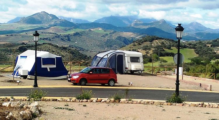 Camping_Pueblo_Blanco_Entorno