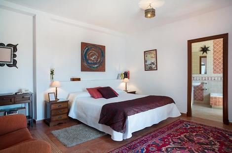 Habitación_Roja_Hotel_Las_Palmeras_Califa_Vejer