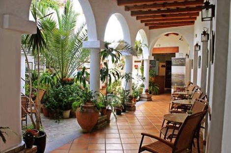 Hotel_Almabraba_Conil_Patio