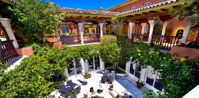 Patio_Hotel_Alborán_Algeciras